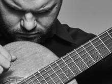 ŁUKASZ KUROPACZEWSKI guitar